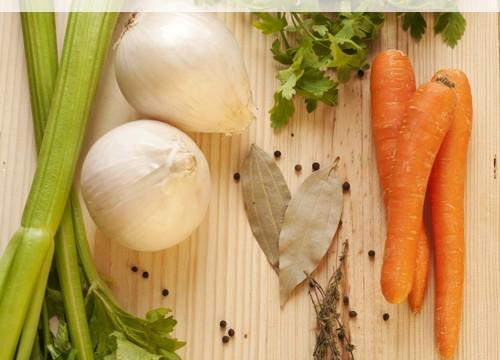 Homemade Veggie Stock – Cut the waste!